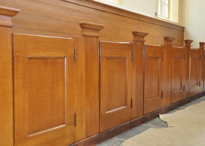 aanbrengen houtimitaties, kerk Baambrugge, in samenwerking met Wendy Schoenaker