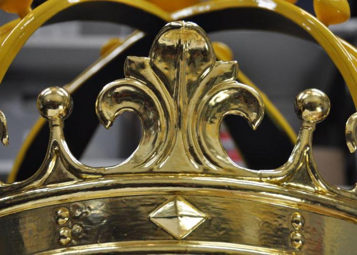 verguldwerk kroon en bollen, puthuis 's-Hertogenbosch